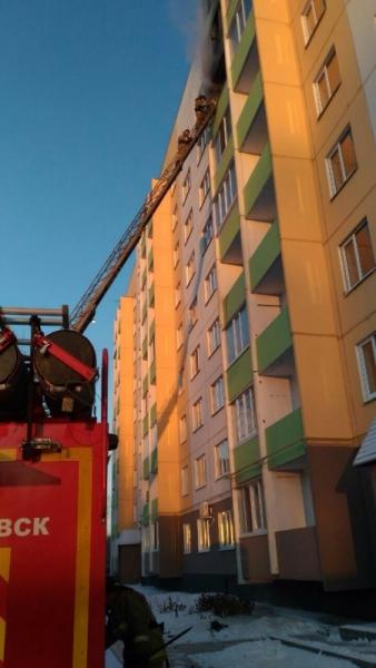 Из горящего дома в Ульяновске эвакуировали 6 человек. ФОТО, фото-4