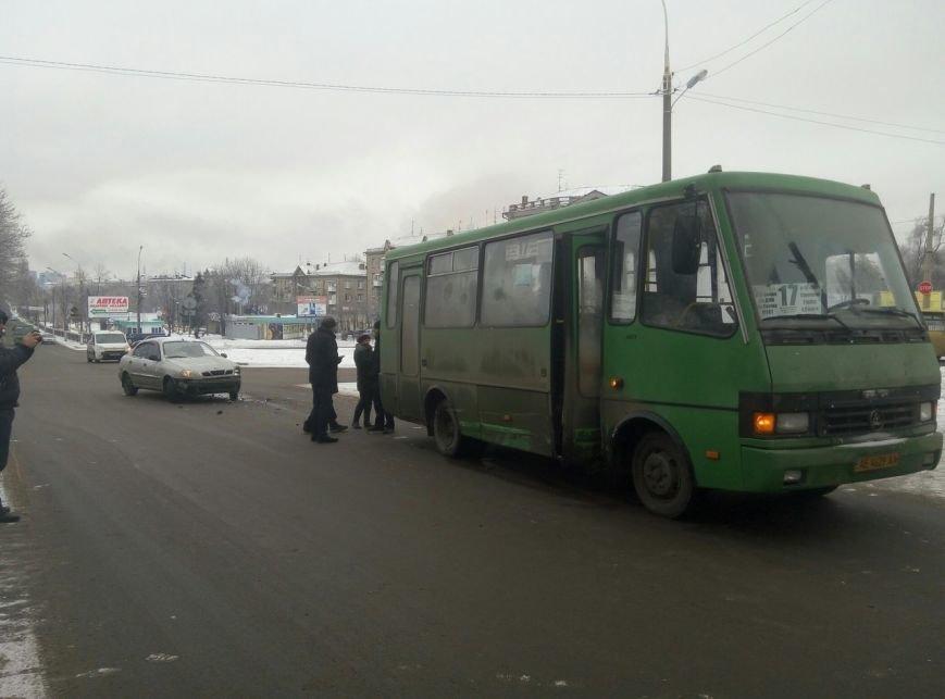 В Каменском произошло ДТП на пересечении проспектов Свободы и Аношкина, фото-4