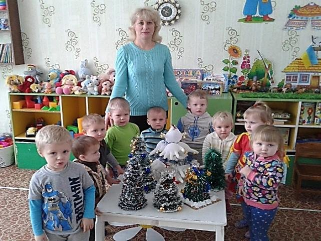 В Конотопі діти власноруч виготовляли екологічні ялинки та прикраси до них, фото-1