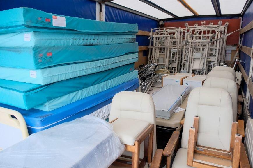 1 Гуманітарка з Франції для лікарні швидкої допомоги.