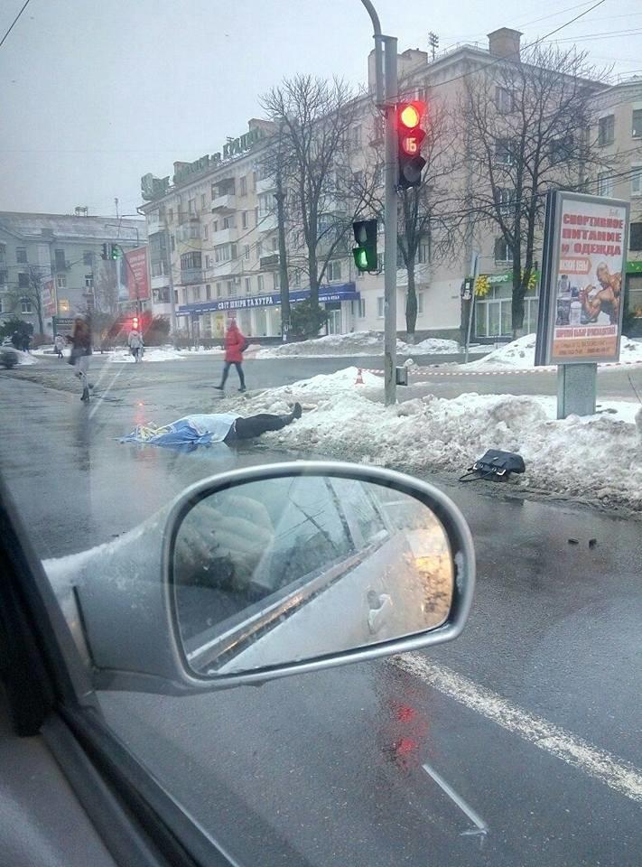 В Центре Полтавы автобус насмерть сбил женщину (ФОТО), фото-1