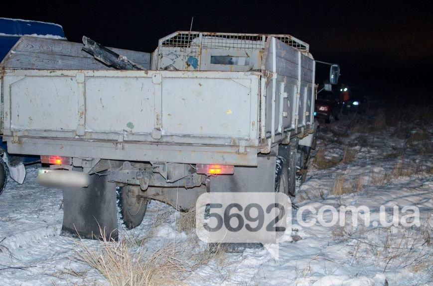 Владельцы поля в Каменском возмущены действиями неизвестных, которые выкапывают и вывозят металл, фото-7