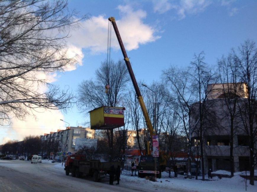 В Засвияжье вскрыли и демонтировали нелегальный киоск. ФОТО, фото-9