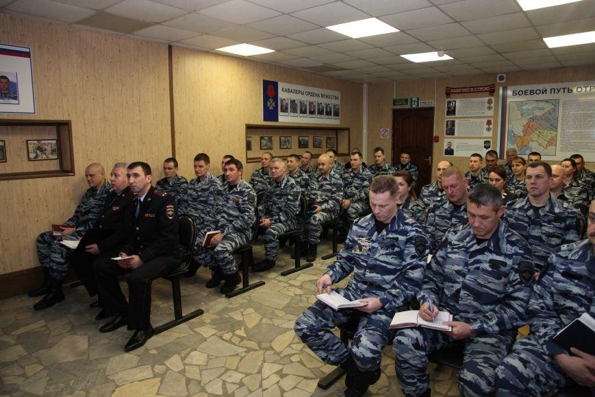 В ходе рабочего визита в Псковскую область командующий Северо-Западным округом войск национальной гвардии посетил спецподразделения, фото-1