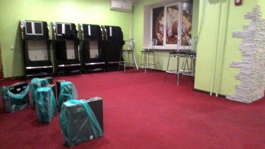В Каменском полицейские закрыли очередной игорный зал, фото-2