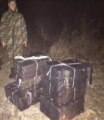 На Закарпатті контрабандисти переправляли в Угорщину 3500 пачок цигарок: фото, фото-2