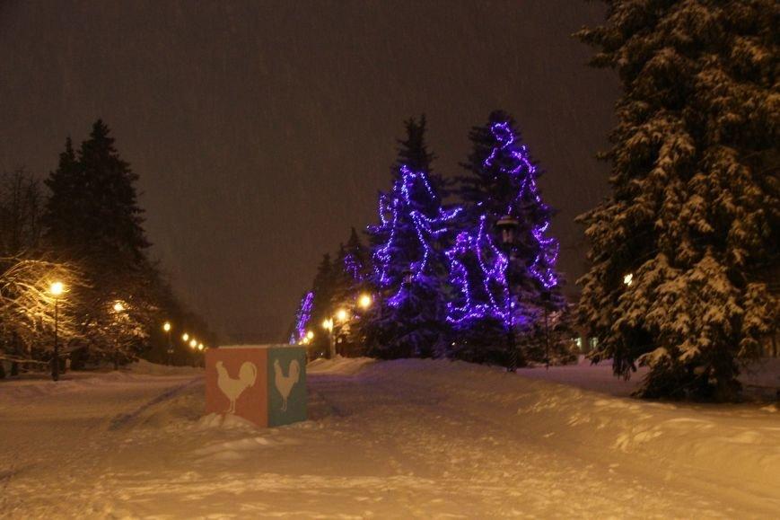 Как украсили центральную площадь Ульяновска. ФОТО, фото-1
