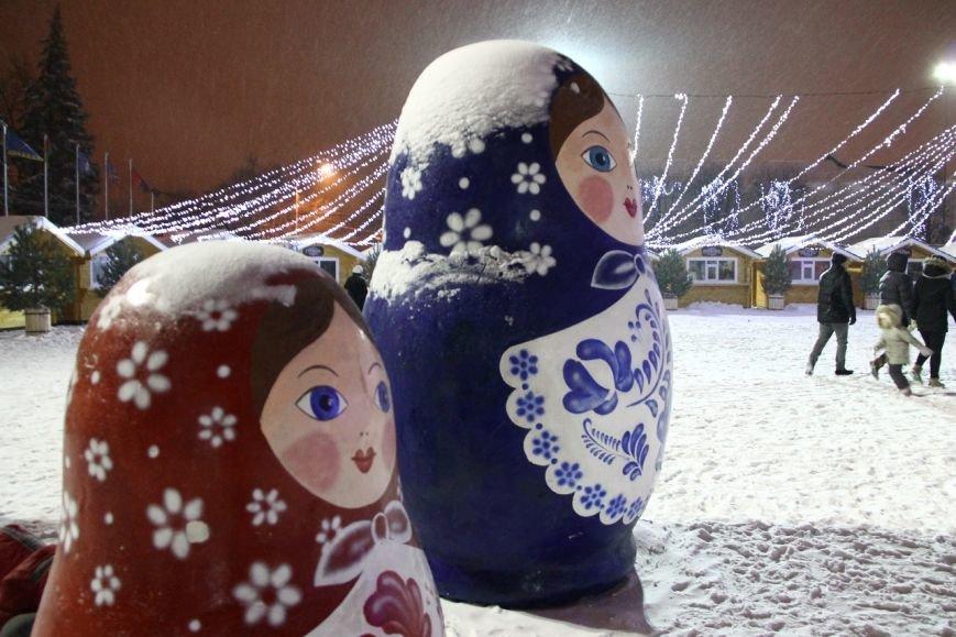 Как украсили центральную площадь Ульяновска. ФОТО, фото-6
