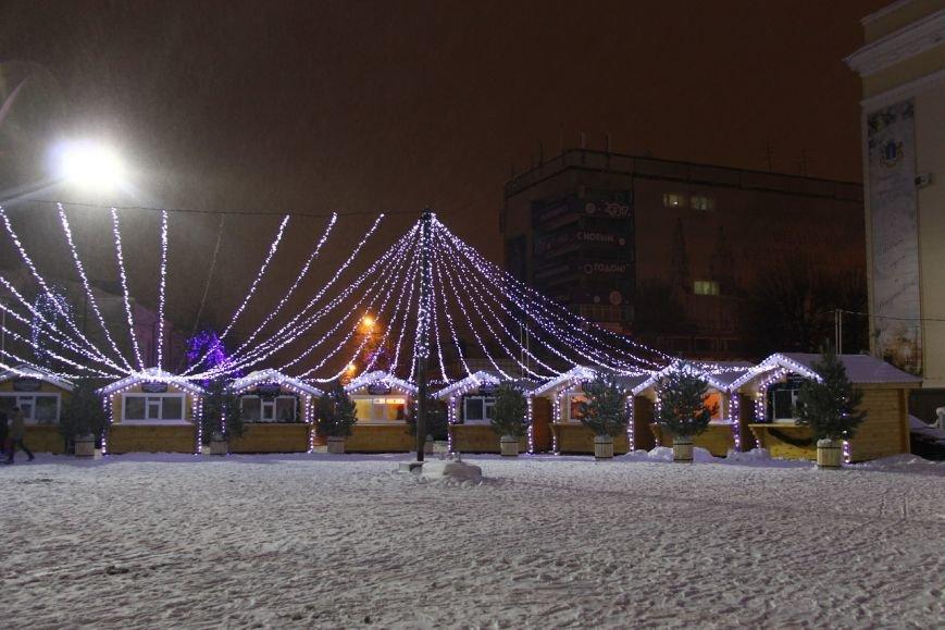 Как украсили центральную площадь Ульяновска. ФОТО, фото-3