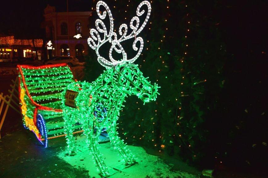 Как выглядит Полтава ночью накануне Нового Года, фото-8