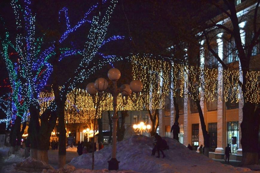 Как выглядит Полтава ночью накануне Нового Года, фото-6