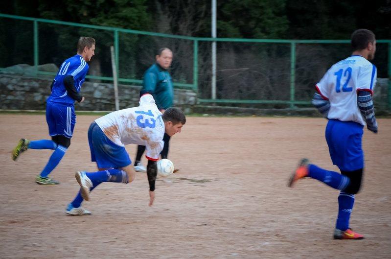 Никита впервые возглавила таблицу первой лиги Чемпионата Ялты по футболу, фото-3