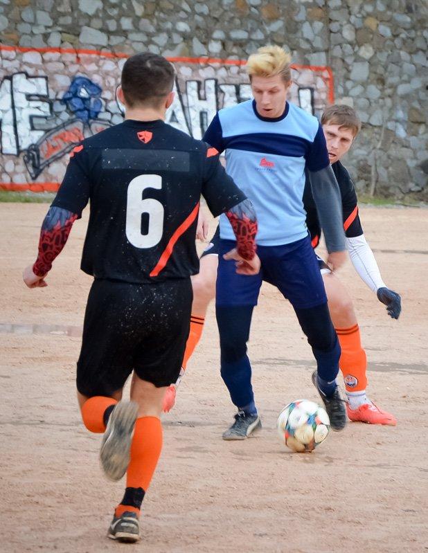Никита впервые возглавила таблицу первой лиги Чемпионата Ялты по футболу, фото-5
