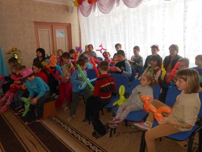 В центрах социально-психологической реабилитации детей Донецкой области прошли празднования Дня Святого Николая, фото-3