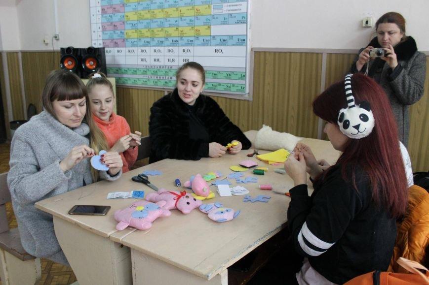 Криворожский педагогический приготовил подарки для украинских воинов (ФОТО), фото-4