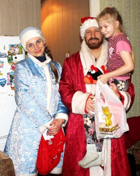 В Пскове прошла Всероссийская акция «Полицейский Дед Мороз», фото-1