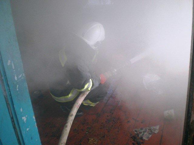 На Кам'янеччині  під час пожежі врятовано чоловіка, фото-1