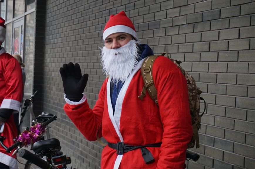 Криворожские Деды Морозы на велосипедах отправились дарить праздник малышам в детдома (ФОТО), фото-5