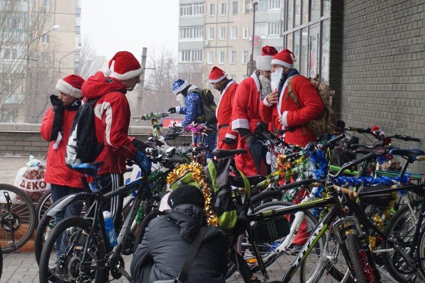 Криворожские Деды Морозы на велосипедах отправились дарить праздник малышам в детдома (ФОТО), фото-8