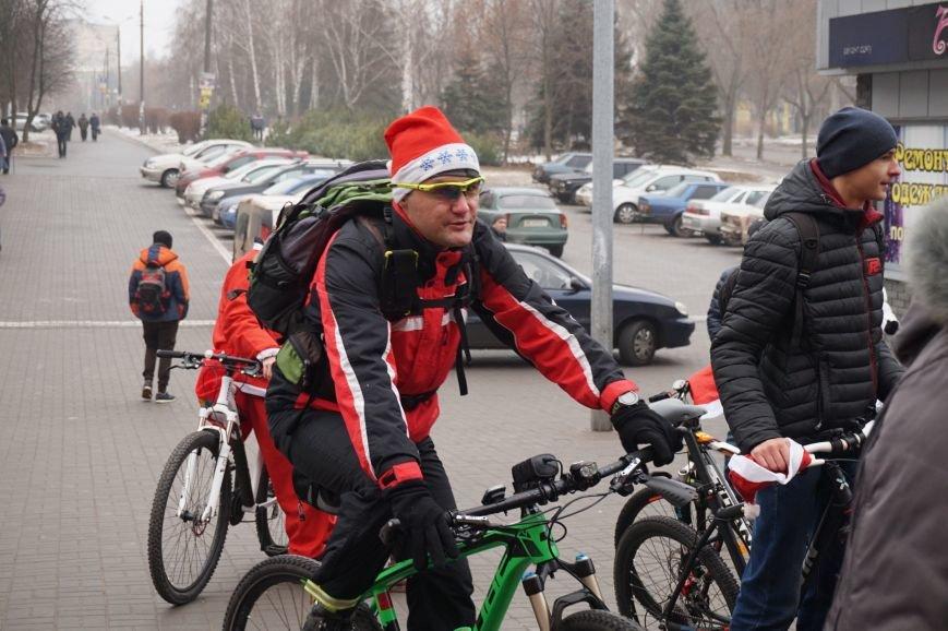 Криворожские Деды Морозы на велосипедах отправились дарить праздник малышам в детдома (ФОТО), фото-9