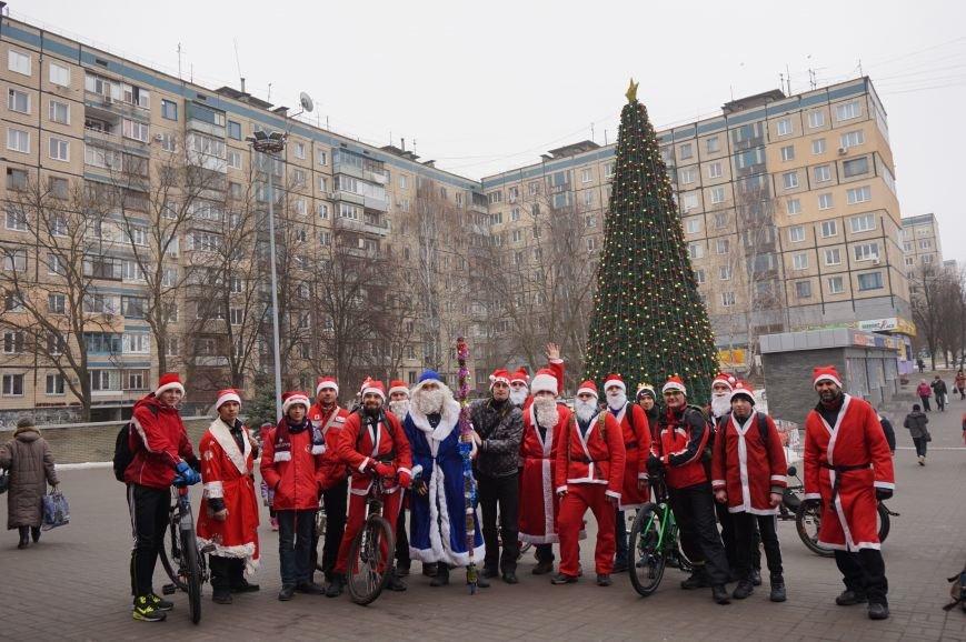 Криворожские Деды Морозы на велосипедах отправились дарить праздник малышам в детдома (ФОТО), фото-14