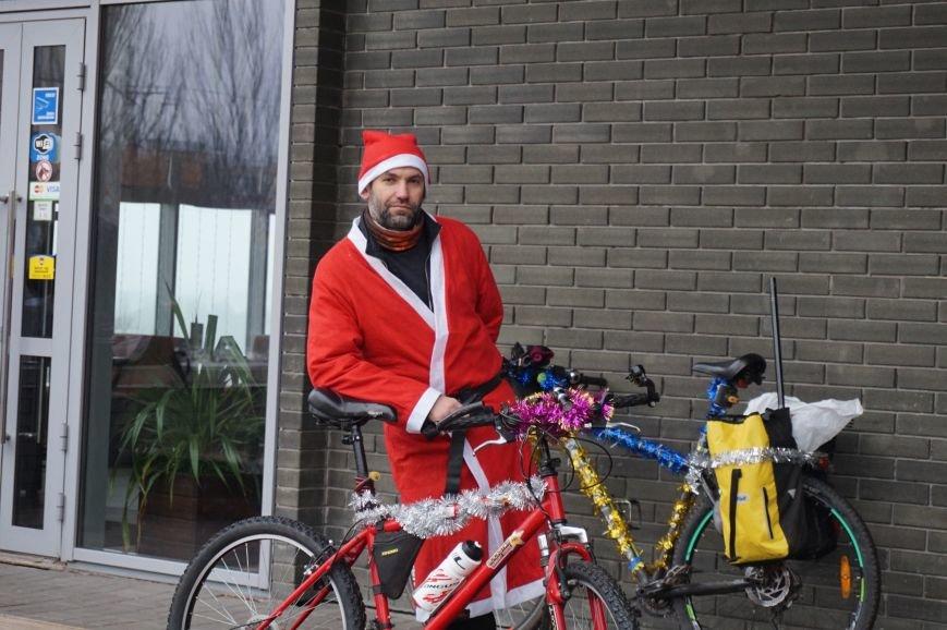 Криворожские Деды Морозы на велосипедах отправились дарить праздник малышам в детдома (ФОТО), фото-12