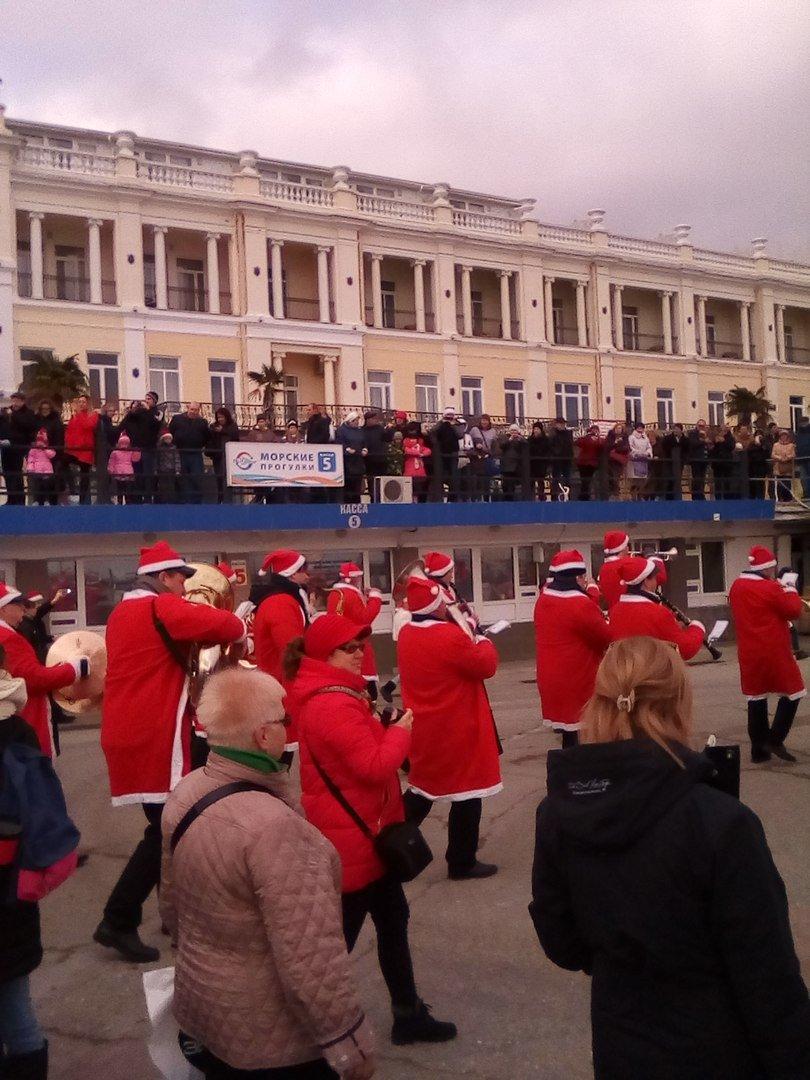 ВИДЕО: в Ялте прошел «Мороз-парад», фото-5