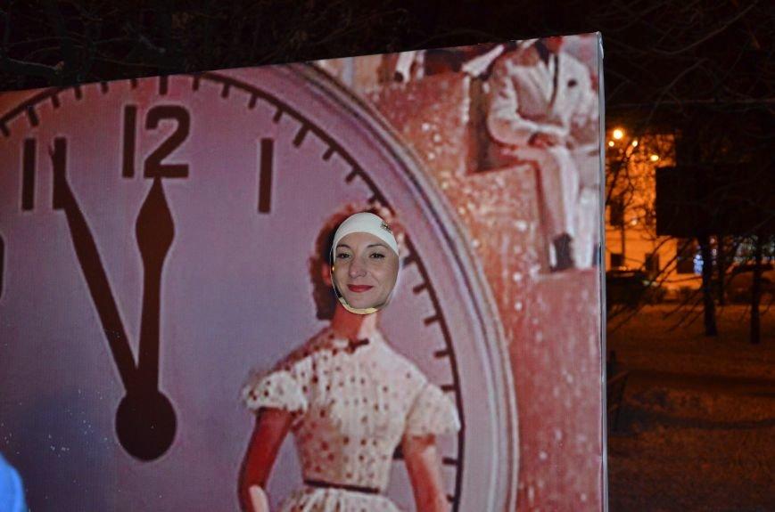 В Мариуполе зажгли главную елку города, а Театральный сквер стал сказочным (ФОТО+ВИДЕО), фото-29