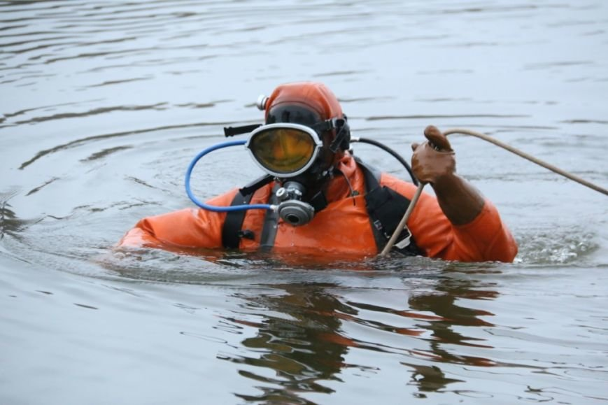 Утонувшую в Чернигове машину до сих пор не нашли, фото-25