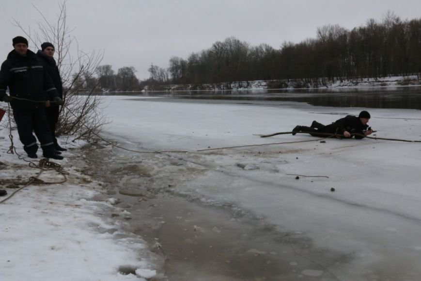 Утонувшую в Чернигове машину до сих пор не нашли, фото-13