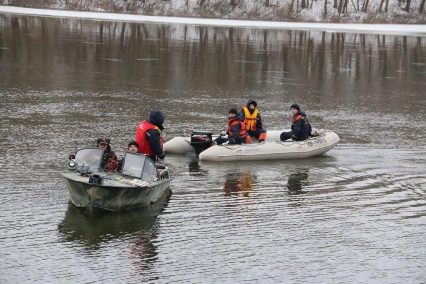 Утонувшую в Чернигове машину до сих пор не нашли, фото-17