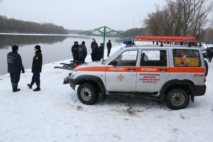 Утонувшую в Чернигове машину до сих пор не нашли, фото-32