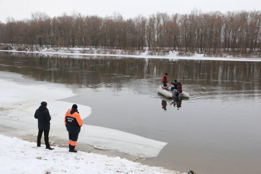 Утонувшую в Чернигове машину до сих пор не нашли, фото-18