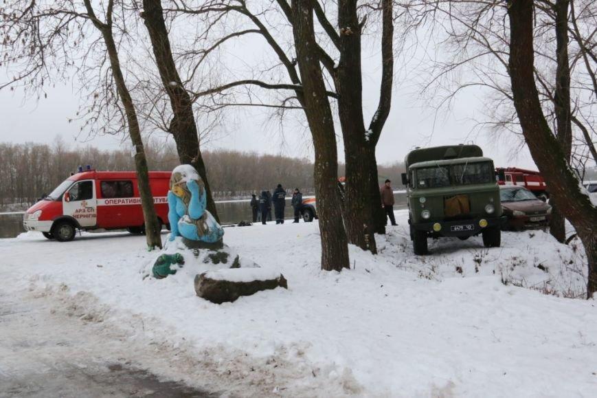 Утонувшую в Чернигове машину до сих пор не нашли, фото-2