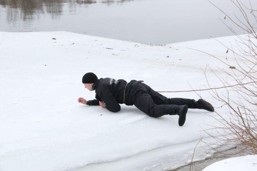 Утонувшую в Чернигове машину до сих пор не нашли, фото-11