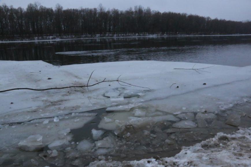 Утонувшую в Чернигове машину до сих пор не нашли, фото-29