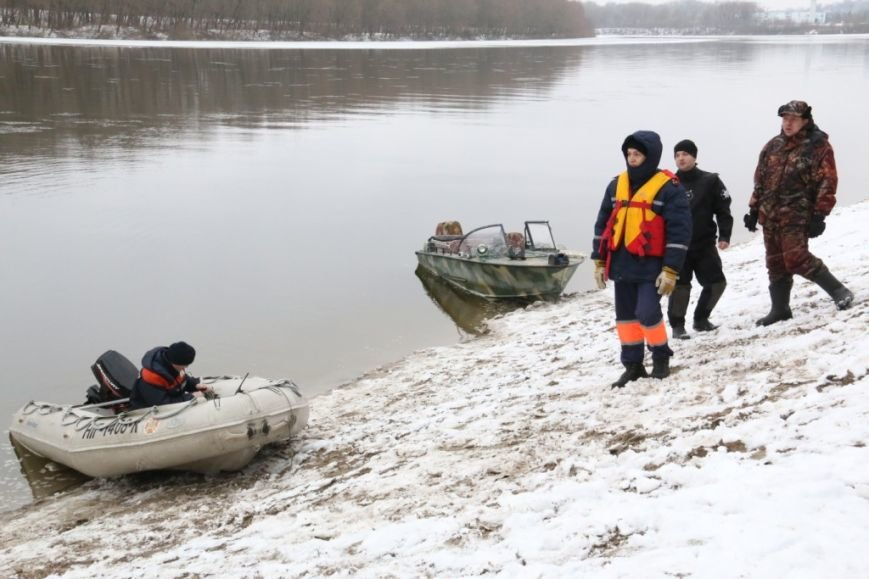 Утонувшую в Чернигове машину до сих пор не нашли, фото-10