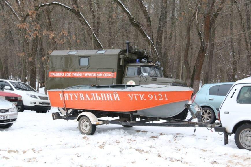 Утонувшую в Чернигове машину до сих пор не нашли, фото-6