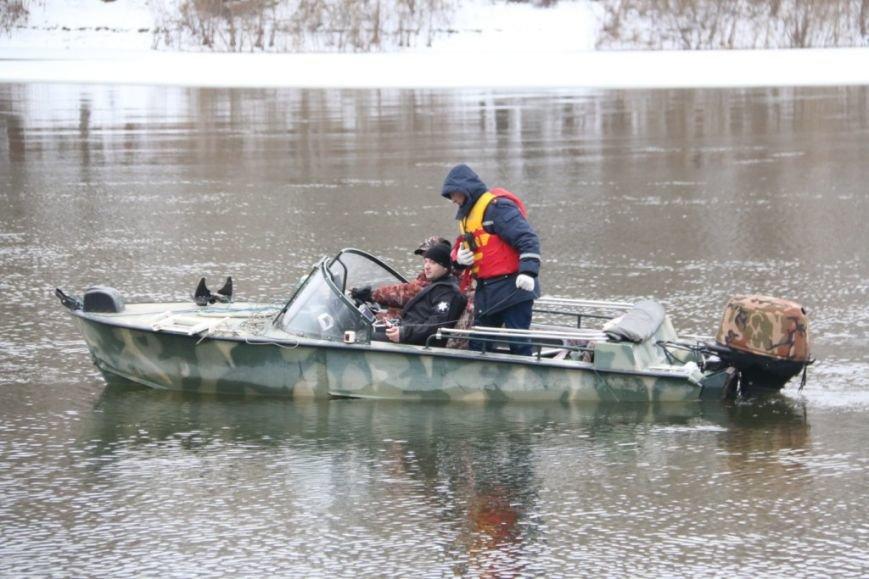 Утонувшую в Чернигове машину до сих пор не нашли, фото-15