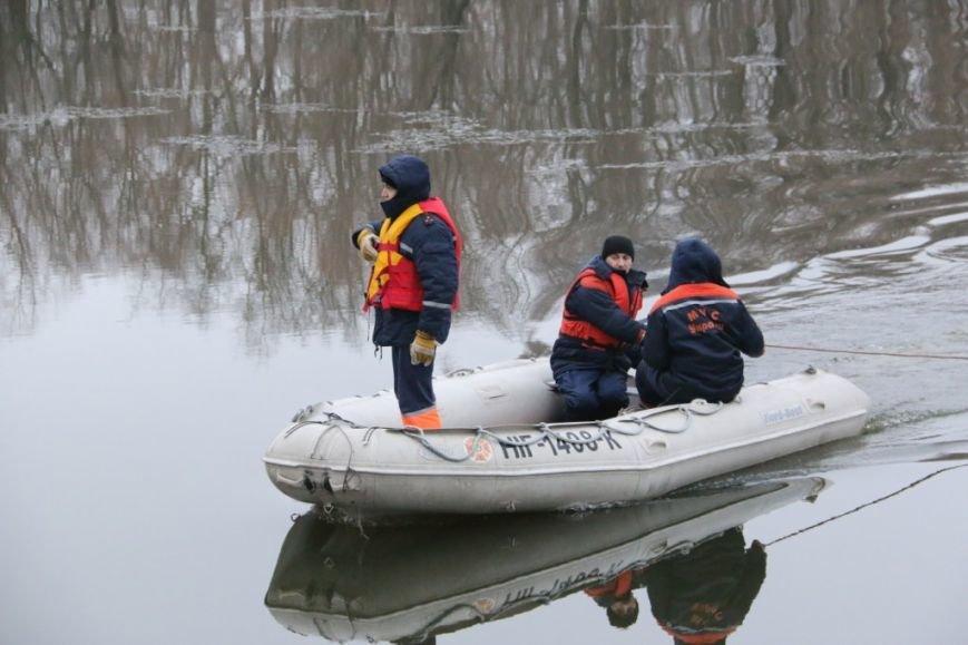 Утонувшую в Чернигове машину до сих пор не нашли, фото-33
