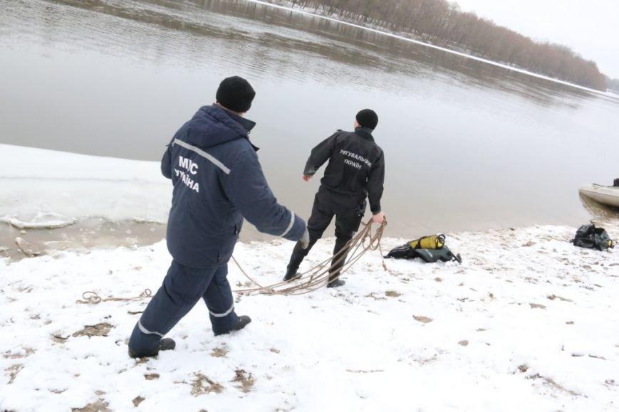 Утонувшую в Чернигове машину до сих пор не нашли, фото-14