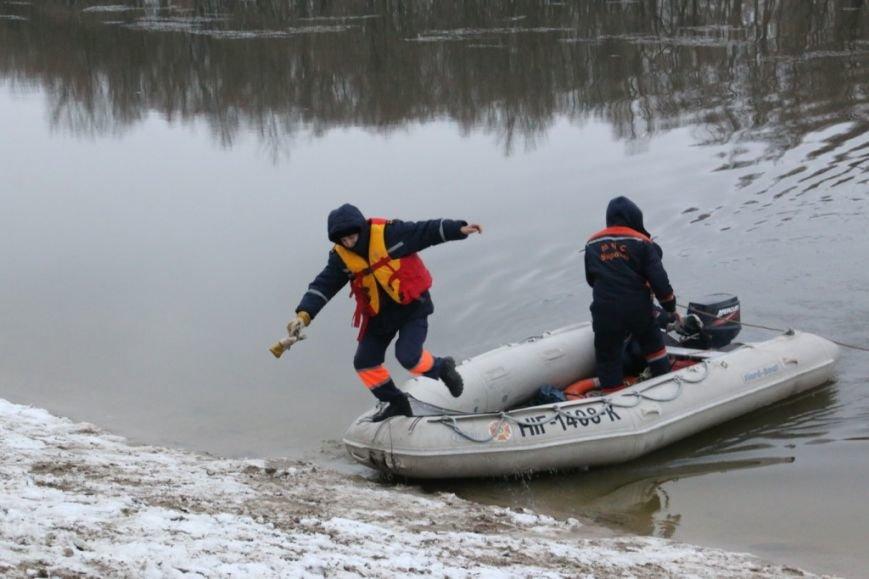 Утонувшую в Чернигове машину до сих пор не нашли, фото-34