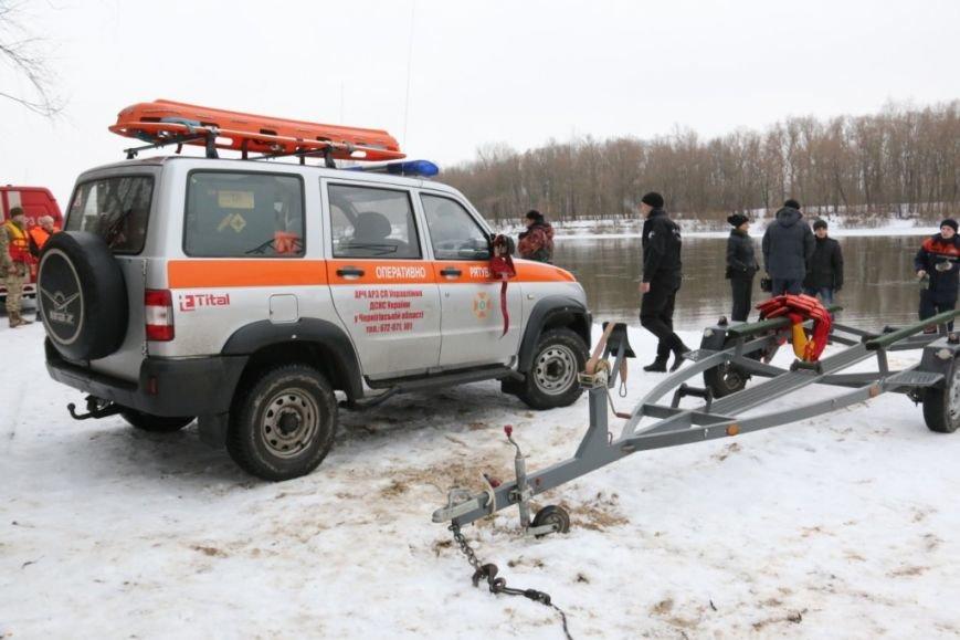 Утонувшую в Чернигове машину до сих пор не нашли, фото-4