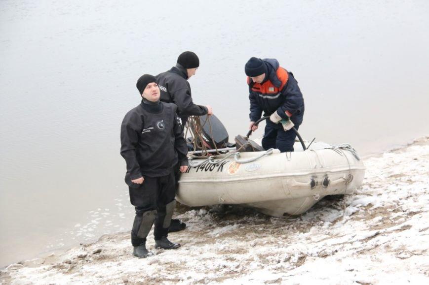 Утонувшую в Чернигове машину до сих пор не нашли, фото-9