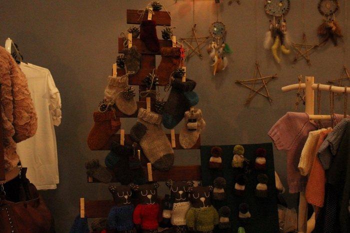 Прогулка Gorod212.by по Handmade Market «Рождественский сапожок» в Витебске: малевали на пряниках и выбирали штучный товар, фото-21