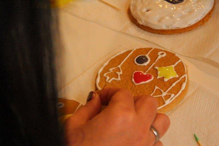 Прогулка Gorod212.by по Handmade Market «Рождественский сапожок» в Витебске: малевали на пряниках и выбирали штучный товар, фото-5