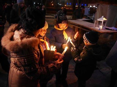 Із Вифлеєму до Ужгорода привезли священний вогонь: фото, фото-7