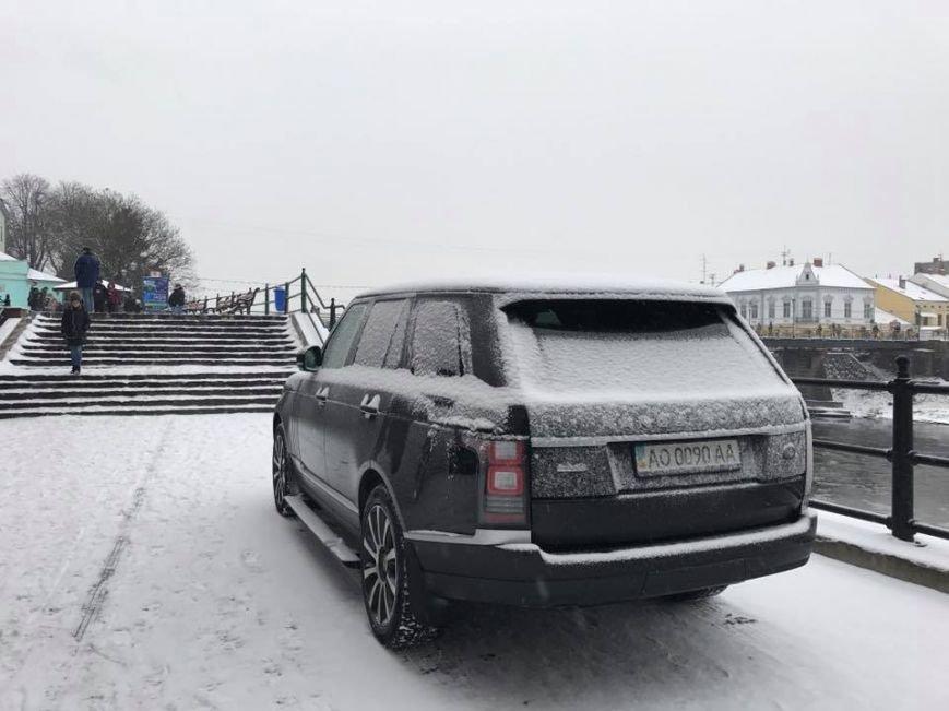 """Андріїв """"прогулявся"""" ужгородською набережною на """"Range Rover"""": фото, фото-2"""