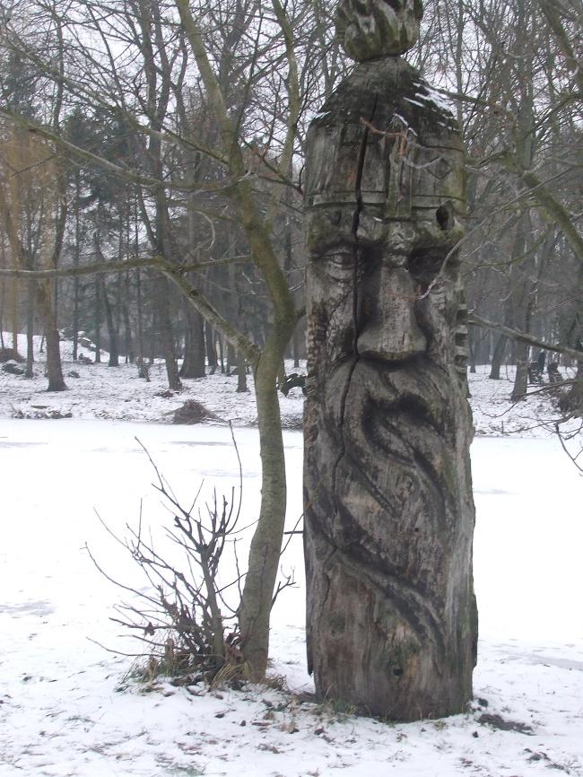 У парку Топільче дерев'яні скульптури під загрозою знищення, фото-1