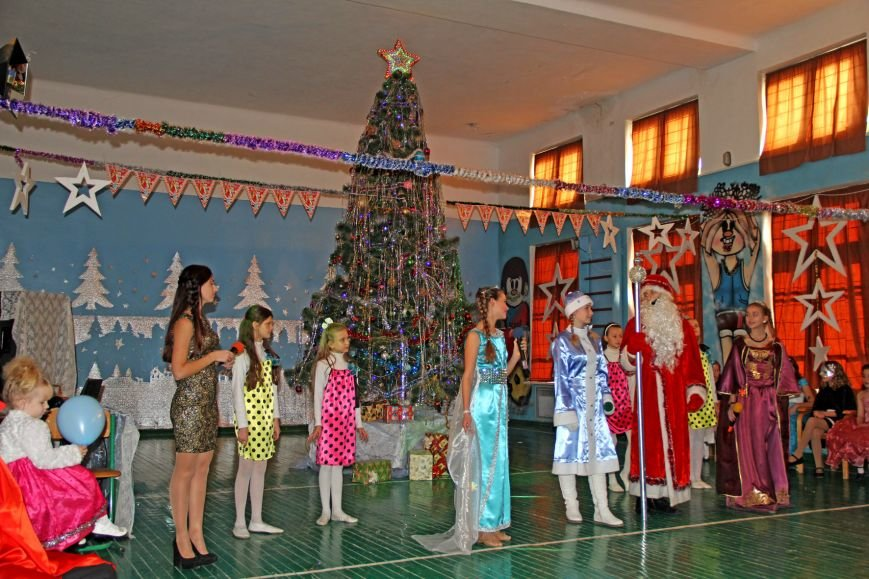 В Кореизской школе прошло новогоднее представление, фото-1